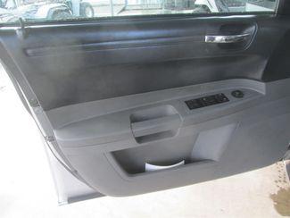 2005 Chrysler 300 Gardena, California 9