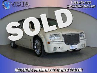 2005 Chrysler 300 300C  city Texas  Vista Cars and Trucks  in Houston, Texas