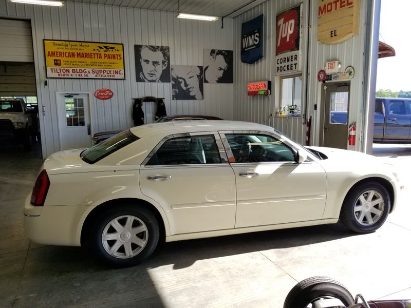 2005 Chrysler 300 Touring  in , Ohio
