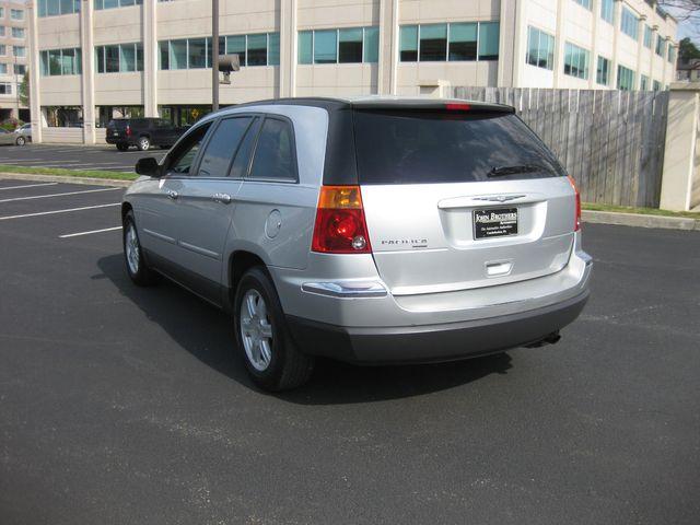 2005 Chrysler Pacifica Touring Conshohocken, Pennsylvania 4