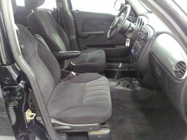 2005 Chrysler PT Cruiser Base in St. Louis, MO 63043