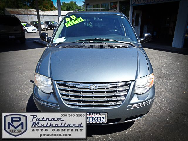 2005 Chrysler Town & Country Touring Chico, CA 1