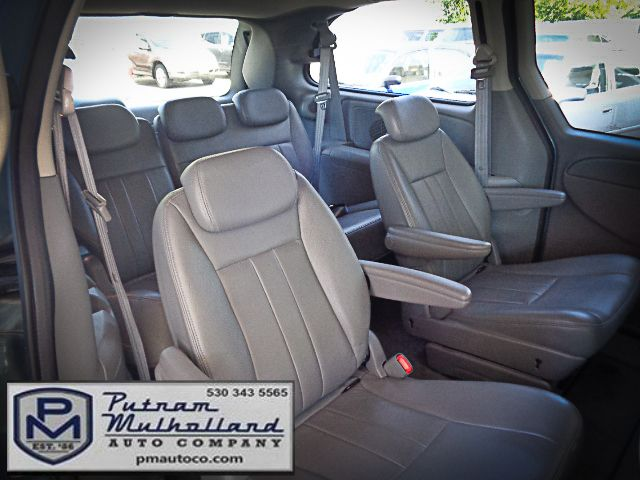 2005 Chrysler Town & Country Touring Chico, CA 10