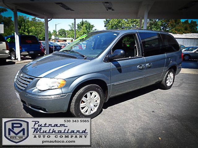 2005 Chrysler Town & Country Touring Chico, CA 2