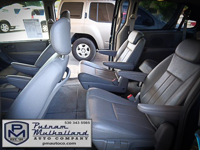 2005 Chrysler Town & Country Touring Chico, CA 8