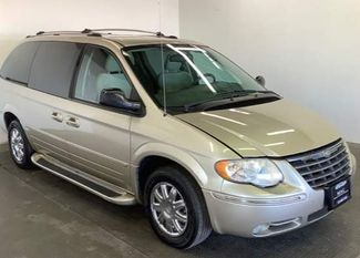 2005 Chrysler Town & Country Limited in Cincinnati, OH 45240