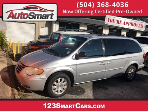 2005 Chrysler Town & Country Touring in Gretna, LA