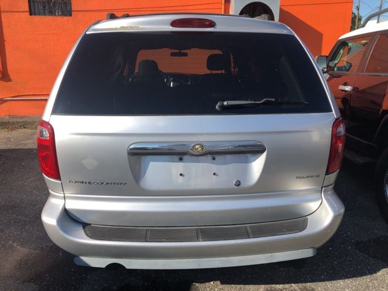 2005 Chrysler Town  Country Touring  city LA  AutoSmart  in Gretna, LA