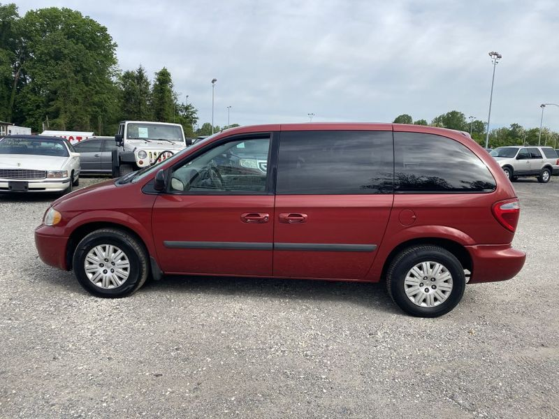 2005 Chrysler Town  Country   city MD  South County Public Auto Auction  in Harwood, MD