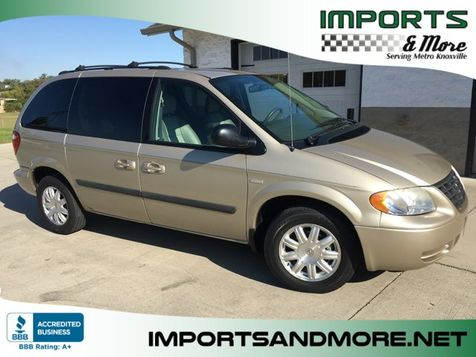 2005 Chrysler Town & Country SIGNATURE SERIES in Lenoir City, TN