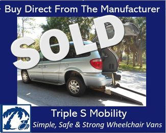 2005 Chrysler Town & Country Limited Wheelchair Van Handicap Ramp Van DEPOSIT Pinellas Park, Florida