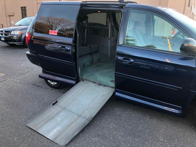 2005 Chrysler Town & Country LX Wheelchair Handicap Maple Grove, Minnesota 16