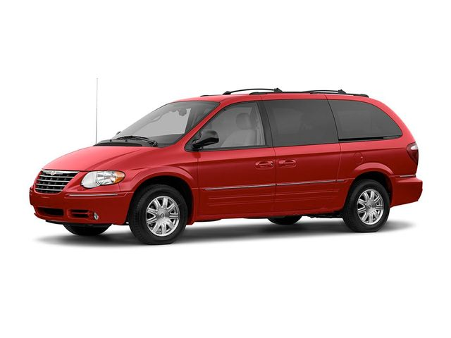 2005 Chrysler Town & Country Base