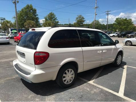 2005 Chrysler Town & Country Touring | Myrtle Beach, South Carolina | Hudson Auto Sales in Myrtle Beach, South Carolina