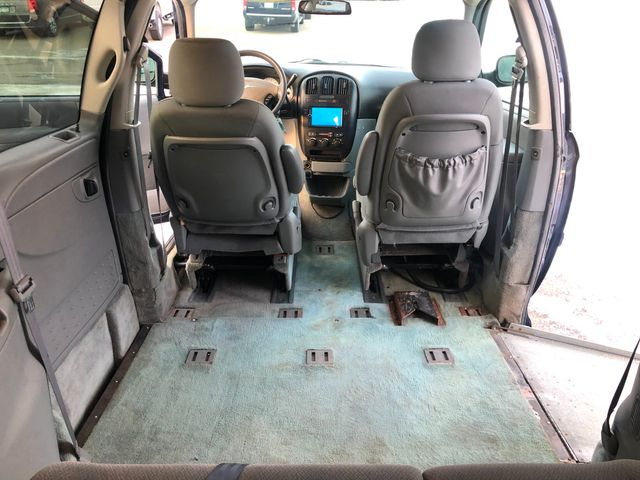 2005 Chrysler Town & Country LX Wheelchair Handicap Osseo, Minnesota 21
