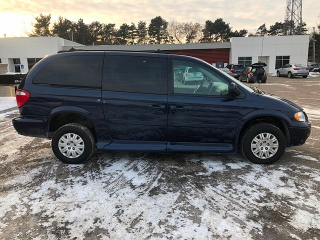 2005 Chrysler Town & Country LX Wheelchair Handicap Osseo, Minnesota 5