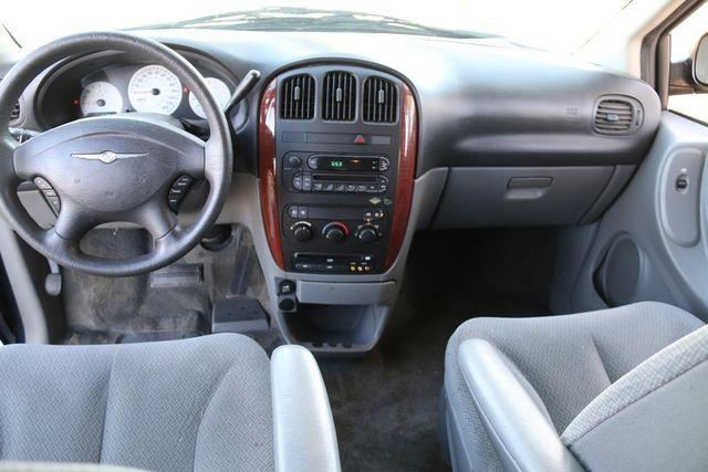 2005 Chrysler Town & Country Santa Clarita, CA 7