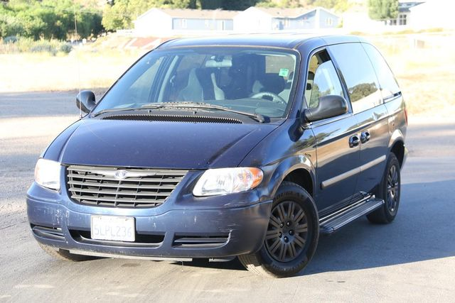 2005 Chrysler Town & Country Santa Clarita, CA 4