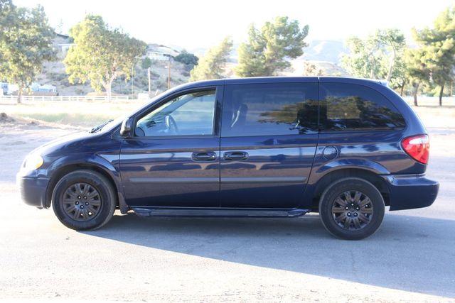 2005 Chrysler Town & Country Santa Clarita, CA 11