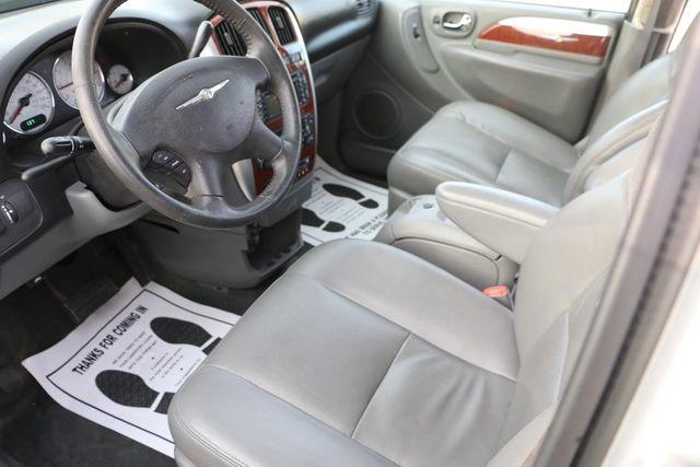 2005 Chrysler Town & Country Limited Santa Clarita, CA 8