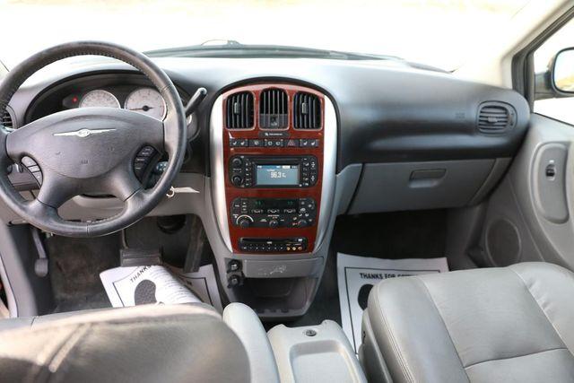 2005 Chrysler Town & Country Limited Santa Clarita, CA 7