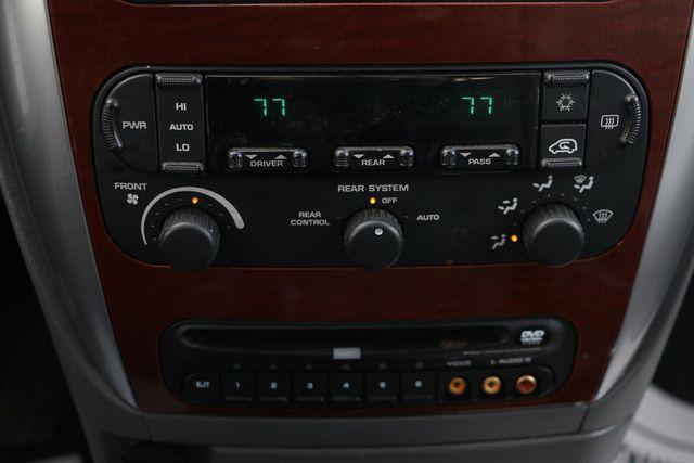 2005 Chrysler Town & Country Limited Santa Clarita, CA 22