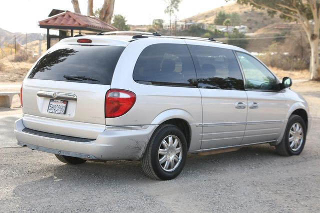 2005 Chrysler Town & Country Limited Santa Clarita, CA 6