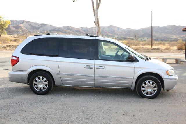 2005 Chrysler Town & Country Limited Santa Clarita, CA 12