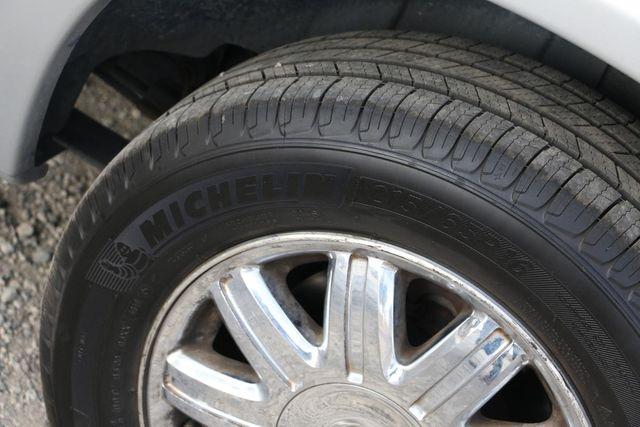 2005 Chrysler Town & Country Limited Santa Clarita, CA 34