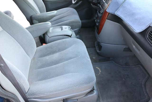 2005 Chrysler Town & Country LX Santa Clarita, CA 14