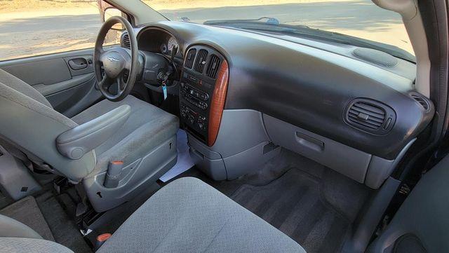 2005 Chrysler Town & Country LX Santa Clarita, CA 9