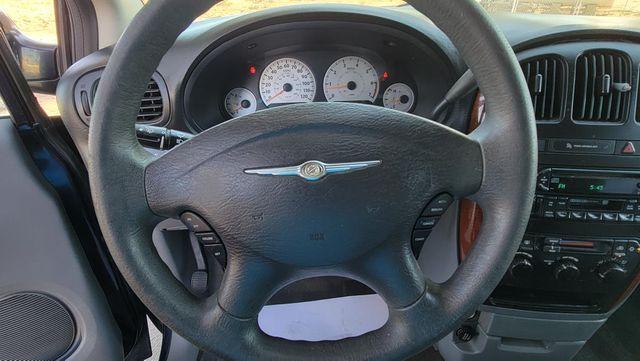 2005 Chrysler Town & Country LX Santa Clarita, CA 29