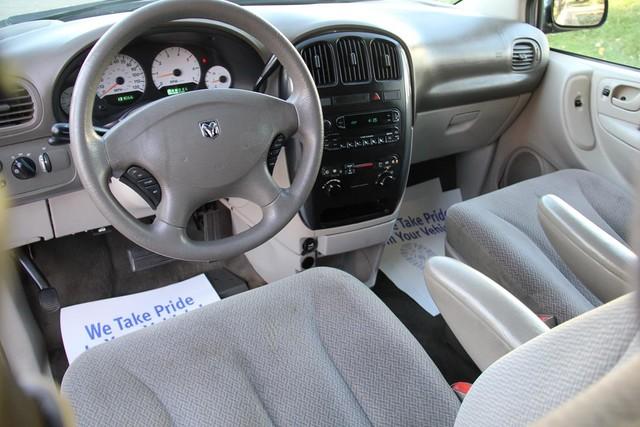 2005 Dodge Caravan SXT Santa Clarita, CA 8