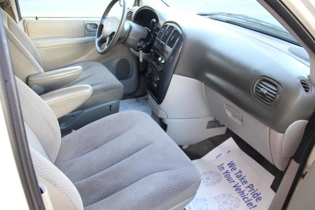 2005 Dodge Caravan SXT Santa Clarita, CA 9