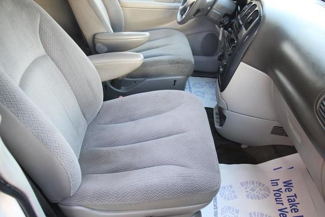 2005 Dodge Caravan SXT Santa Clarita, CA 14
