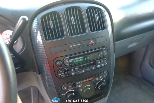 2005 Dodge Grand Caravan SXT in Memphis Tennessee, 38115