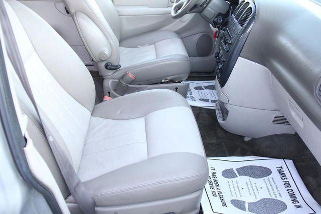2005 Dodge Grand Caravan SXT Santa Clarita, CA 14