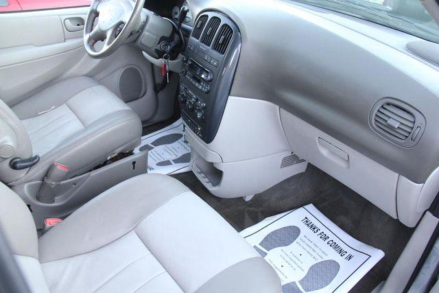 2005 Dodge Grand Caravan SXT Santa Clarita, CA 9