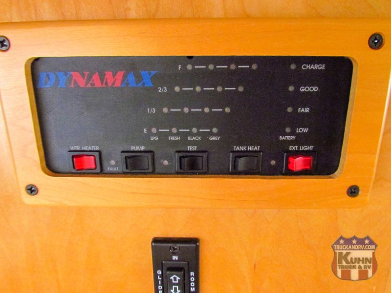 2005 Dynamax Isata 250  in Sherwood, Ohio