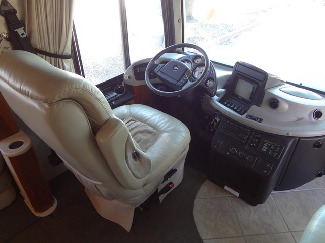 2005 Fleetwood Revolution LE 40E Austin , Texas 45