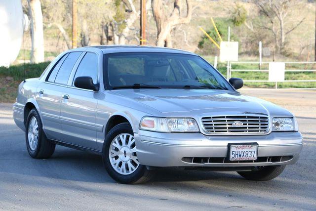 2005 Ford Crown Victoria LX Santa Clarita, CA 3
