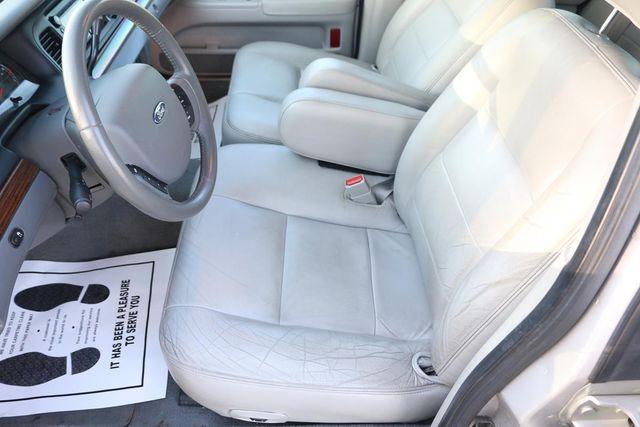 2005 Ford Crown Victoria LX Santa Clarita, CA 13