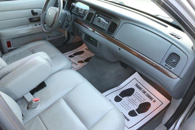 2005 Ford Crown Victoria LX Santa Clarita, CA 9