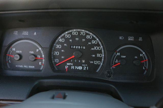 2005 Ford Crown Victoria LX Santa Clarita, CA 18