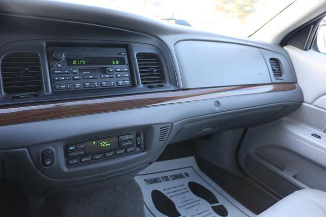 2005 Ford Crown Victoria LX Santa Clarita, CA 17