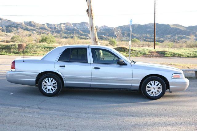 2005 Ford Crown Victoria LX Santa Clarita, CA 12