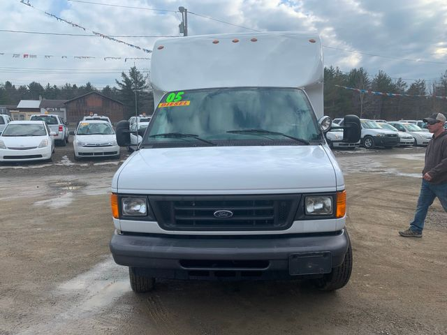 2005 Ford Econoline Commercial Cutaway Hoosick Falls, New York 1