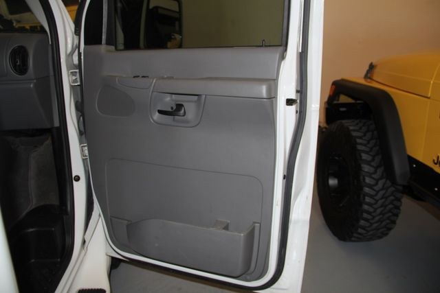 2005 Ford Econoline Commercial Cutaway Jacksonville , FL 41
