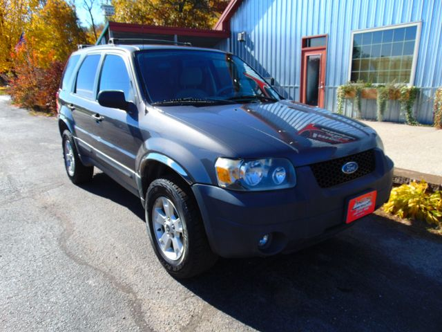 2005 Ford Escape XLT AWD Alexandria, Minnesota 1