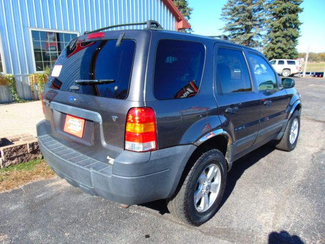 2005 Ford Escape XLT AWD Alexandria, Minnesota 5